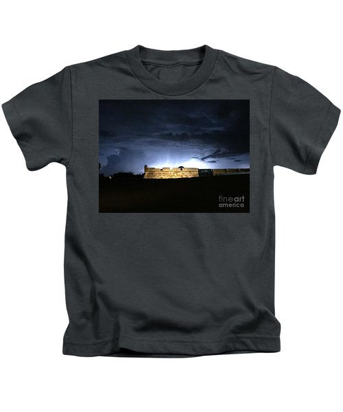Lightening At Castillo De San Marco Kids T-Shirt