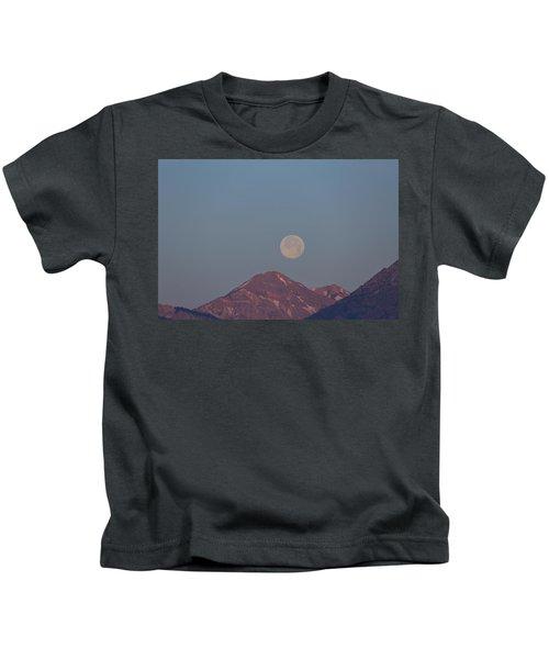 Full Moon Over The Tetons Kids T-Shirt