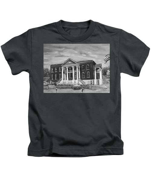 Gilmer County Old Courthouse - Black And White Kids T-Shirt
