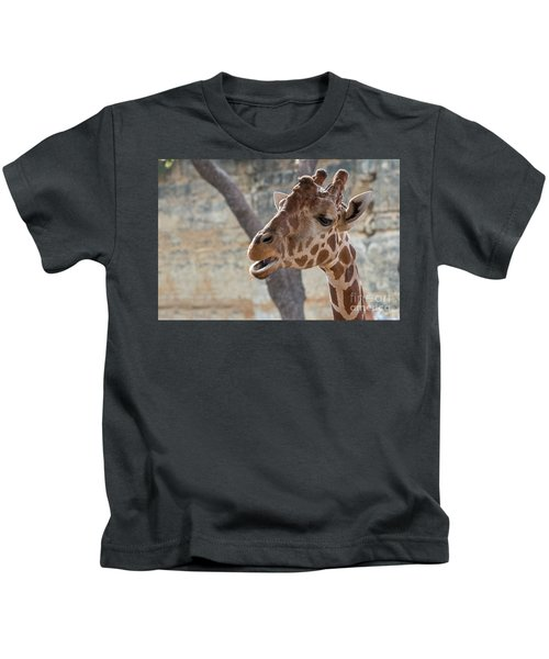 Girafe Head About To Grab Food Kids T-Shirt
