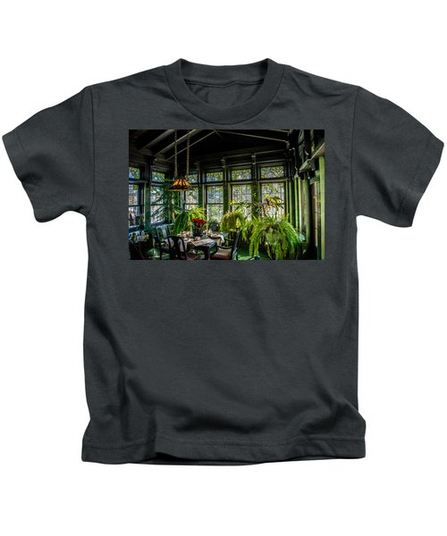 Glensheen Mansion Breakfast Room Kids T-Shirt by Paul Freidlund