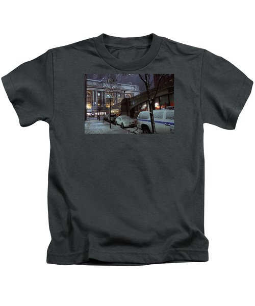 Grand Central Station Manhattan Ny View From E43rd St And Park Avenue At Late Night Snow Storm Kids T-Shirt