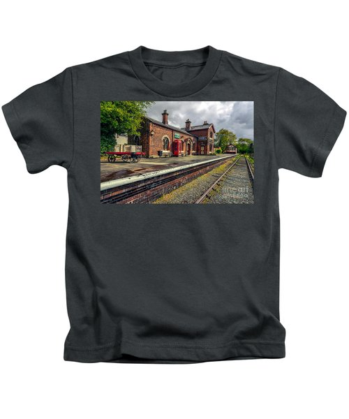 Hadlow Road Railway Station Kids T-Shirt