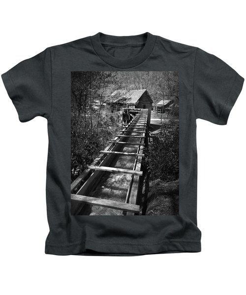 Hagood Gristmill Waterwheel At Hagood Mill Kids T-Shirt