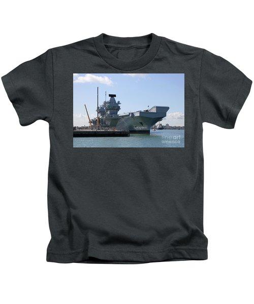 Hms Queen Elizabeth Aircraft Carrier At Portmouth Harbour Kids T-Shirt
