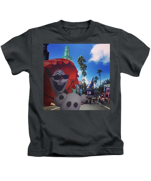 Olafs Vacation  Kids T-Shirt