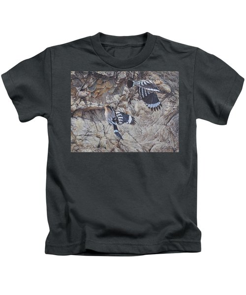 Hoopoes Feeding Kids T-Shirt