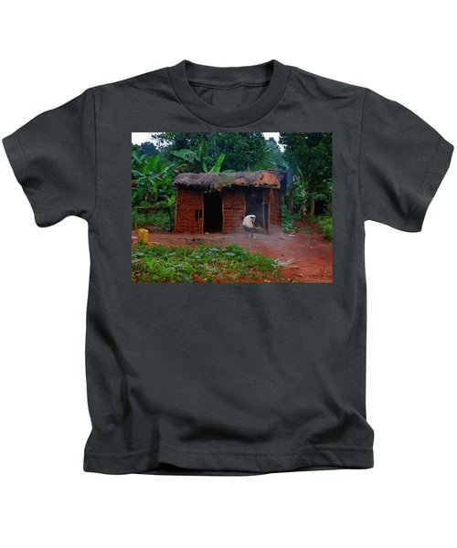 Housecleaning Africa Style Kids T-Shirt by Exploramum Exploramum