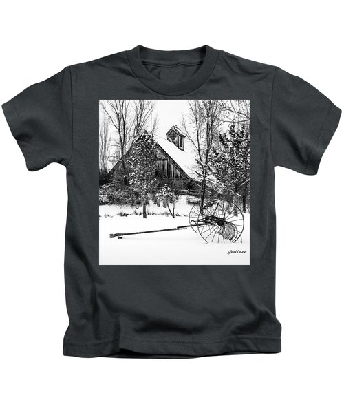 Idle Time - Waiting For Spring Kids T-Shirt