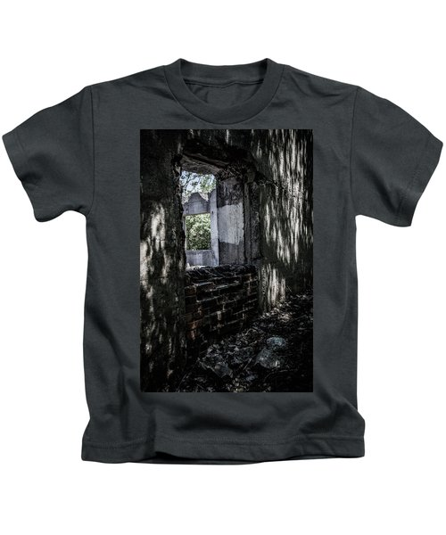 Into The Ruins 4 Kids T-Shirt