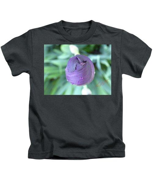 Iris After The Rain Vi Kids T-Shirt