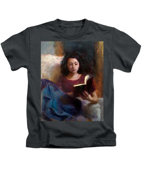 Jaidyn Reading A Book 1 - Portrait Of Young Woman - Girls Who Read - Books In Art Kids T-Shirt