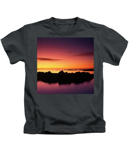 Kaikoura Sunrise, New Zealand. Kids T-Shirt