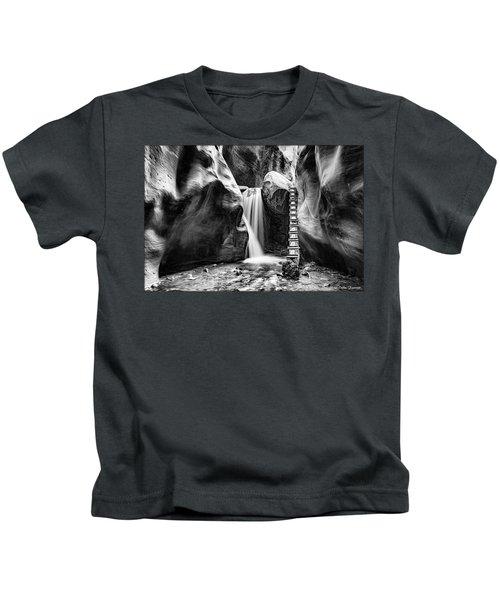 Kanarraville Falls Bw Kids T-Shirt