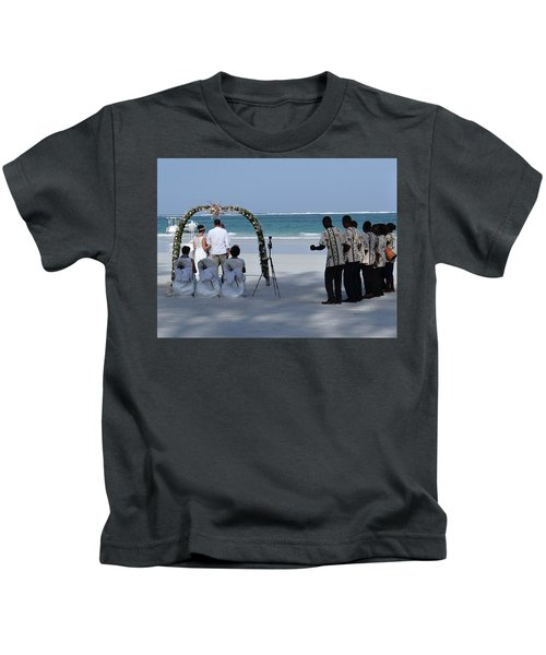 Kenya Wedding On Beach Happy Couple Kids T-Shirt