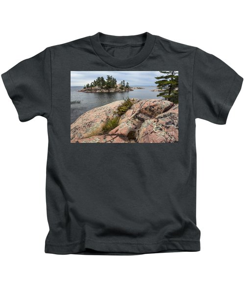 Killarney-island-pink Rocks-4539 Kids T-Shirt