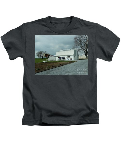Laundry Day - Two Kids T-Shirt