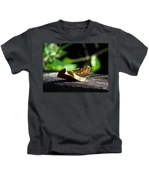 Leafy Praying Mantis Kids T-Shirt