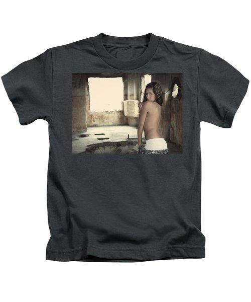 Linda's Seduction Kids T-Shirt