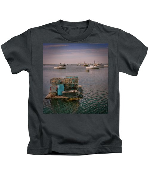 Lobstar Pot Float Kids T-Shirt