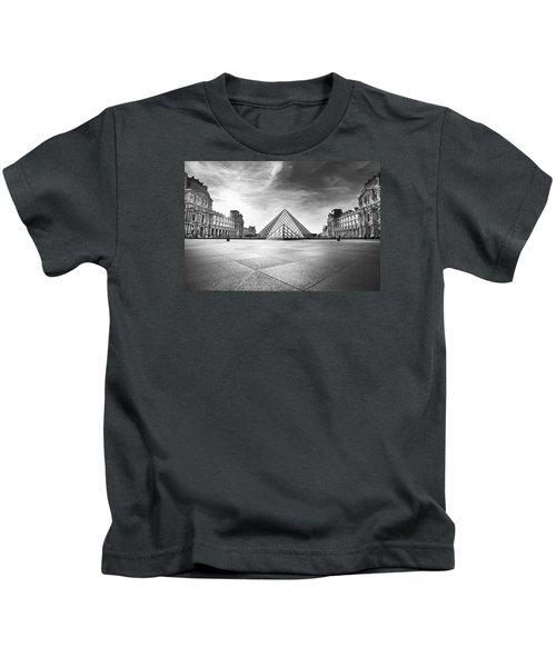 Louvre Bw Kids T-Shirt by Ivan Vukelic
