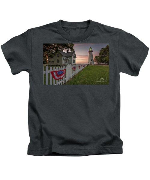 Marblehead Memorial  Kids T-Shirt by James Dean