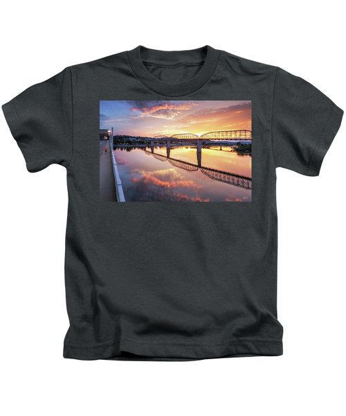 Market Street Jog At Sunrise Kids T-Shirt