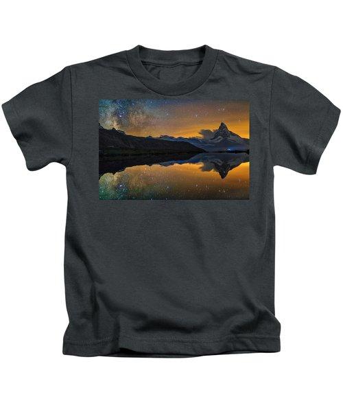 Matterhorn Milky Way Reflection Kids T-Shirt
