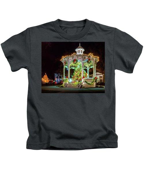 Medina, Ohio Christmas On The Square. Kids T-Shirt
