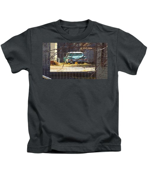 Memories Of Old Blue, A Car In Shantytown.  Kids T-Shirt