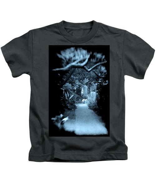 Midnight In The Garden O Kids T-Shirt