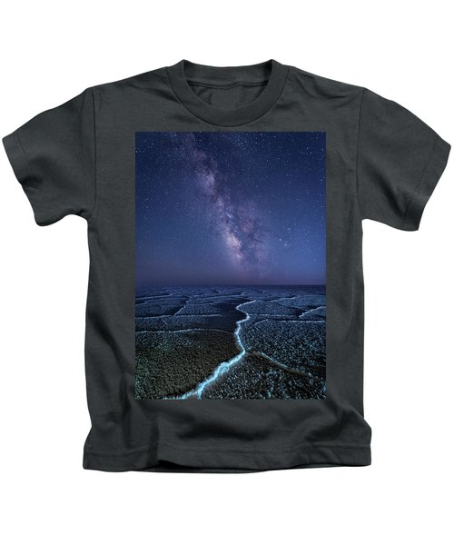 Milky Way At The Salt Flats Kids T-Shirt
