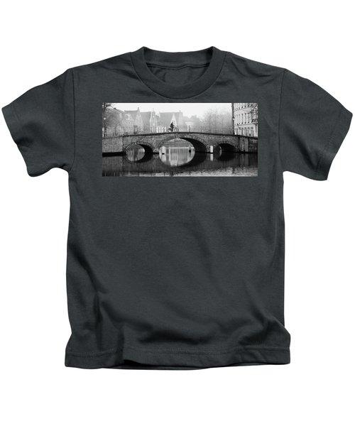 Misty Morning In Bruges  Kids T-Shirt
