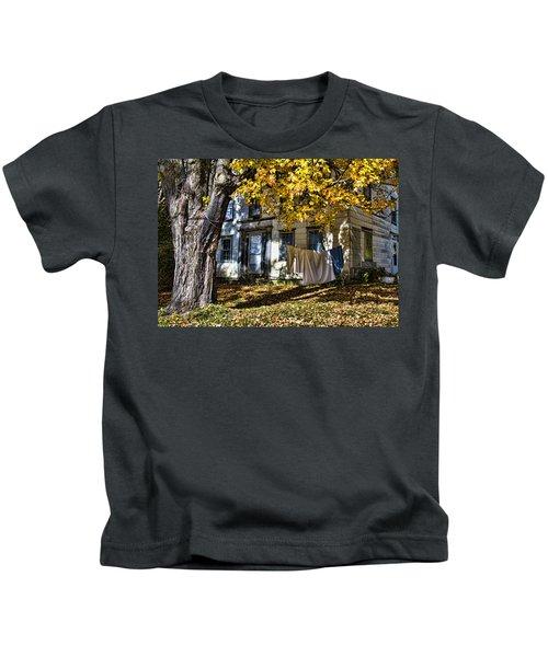 Monday Wash Day Kids T-Shirt