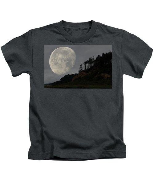 Moon At Roosevelt Beach Wa Kids T-Shirt