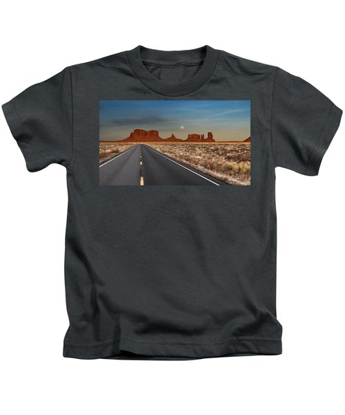 Moonrise Over Monument Valley Kids T-Shirt