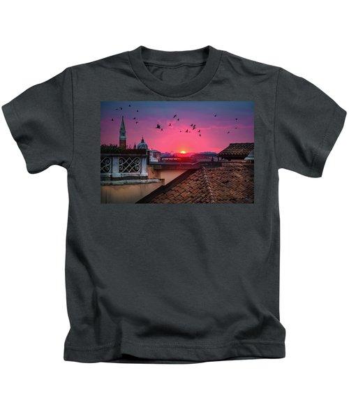 Morning In Venice  Kids T-Shirt