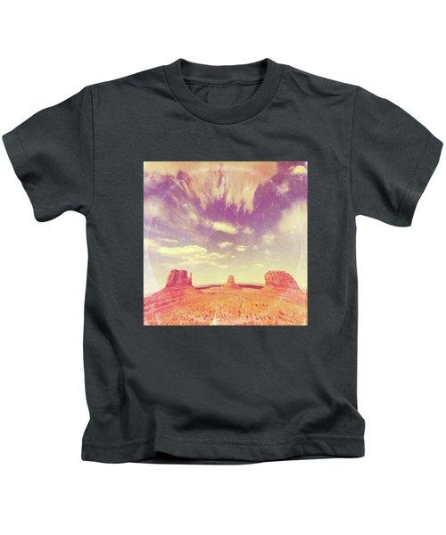 Navajo Country - America As Vintage Album Art Kids T-Shirt