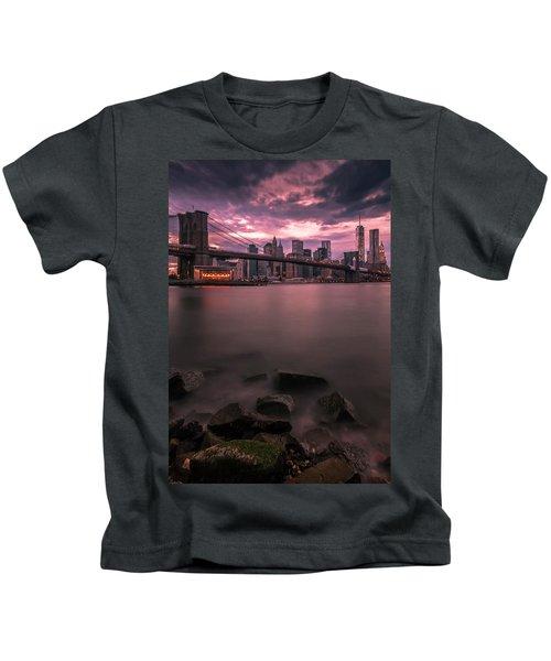 New York City Brooklyn Bridge Sunset Kids T-Shirt