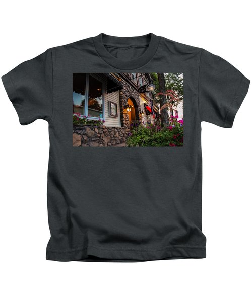 Nini's Restaurante Easthampton Kids T-Shirt