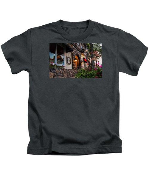 Nini's Restaurante Easthampton Kids T-Shirt