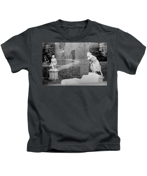 Nyc Whispering Statues Kids T-Shirt