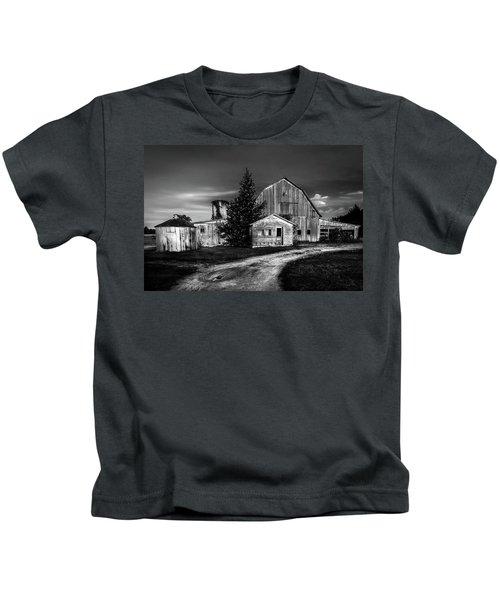 Ohio Barn At Sunrise Kids T-Shirt