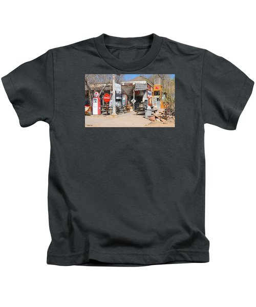 Old Gas Station, Historic Route 66 Kids T-Shirt