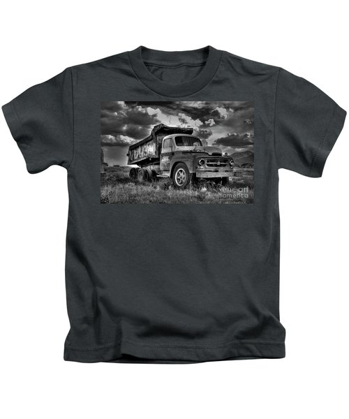 Old International #2 - Bw Kids T-Shirt