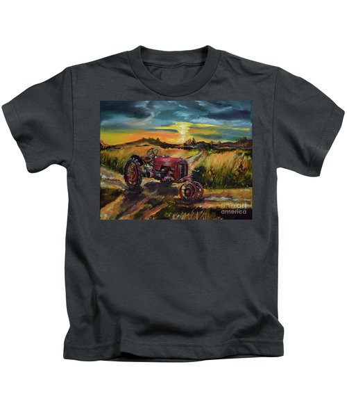 Old Red At Sunset - Tractor Kids T-Shirt
