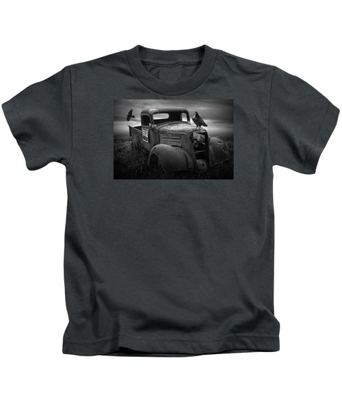 Old Vintage Chevy Pickup Truck With Ravens Kids T-Shirt