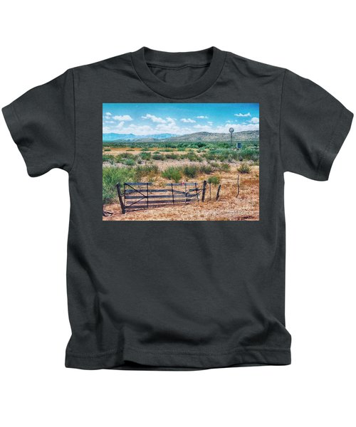 On The Texas Plans Kids T-Shirt