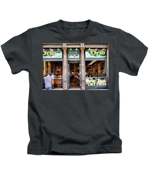Orio La Rambia Beer Drinks  Kids T-Shirt