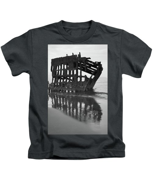 Peter Iredale Shipwreck In Black And White Kids T-Shirt
